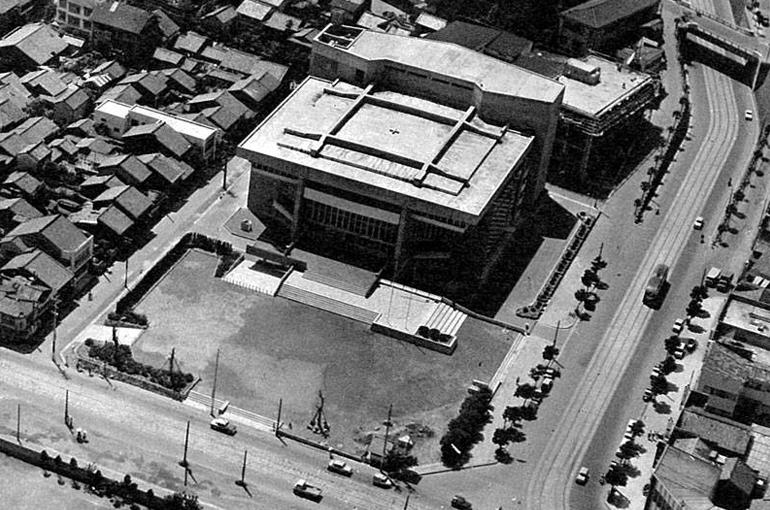 長崎市公会堂1962年竣工当時/撮影:川澄明男